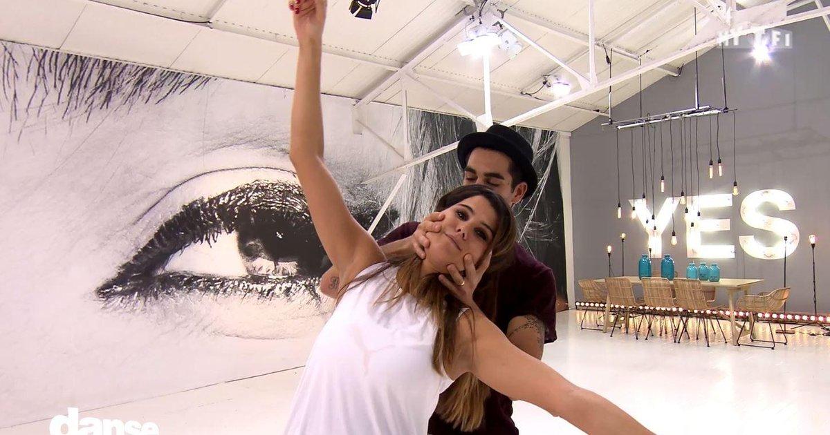 Danse avec les stars  : Karine Ferri et le foxtrot : « Là je ne suis pas très bien ! »  - TF1