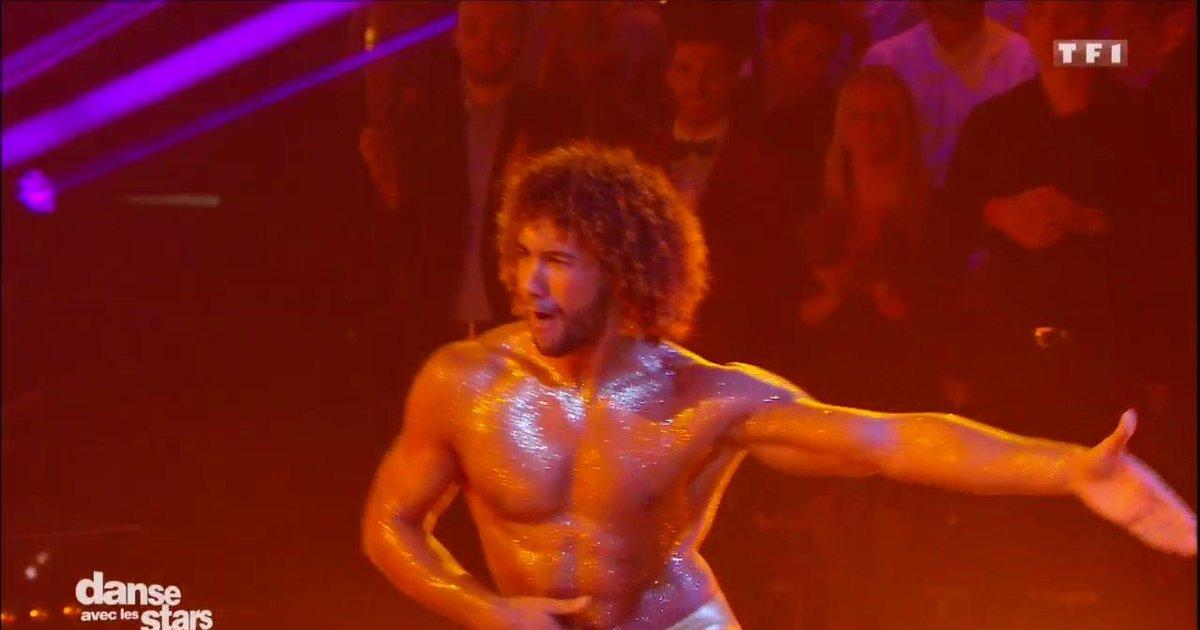 Danse avec les stars  : Le torse de Laurent Maistret fait des ravages !  - TF1