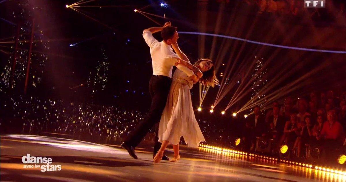 Danse avec les stars  : Un foxtrot pour Caroline Receveur et Maxime Dereymez sur « Encore un soir » (Céline Dion)  - TF1