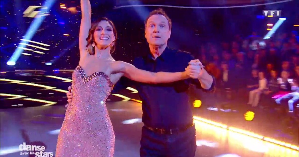 Danse avec les stars  : Un foxtrot pour Julien Lepers et Silvia Notargiacomo « Supreme » (Robbie Willams)  - TF1