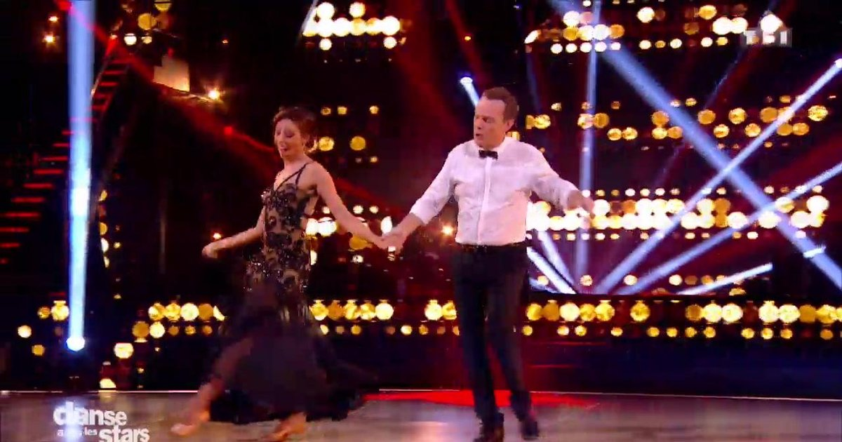 Danse avec les stars  : Un quickstep pour Julien Lepers et Silvia Notargiacomo sur « It's Not Unusual» (Tom Jones)  - TF1