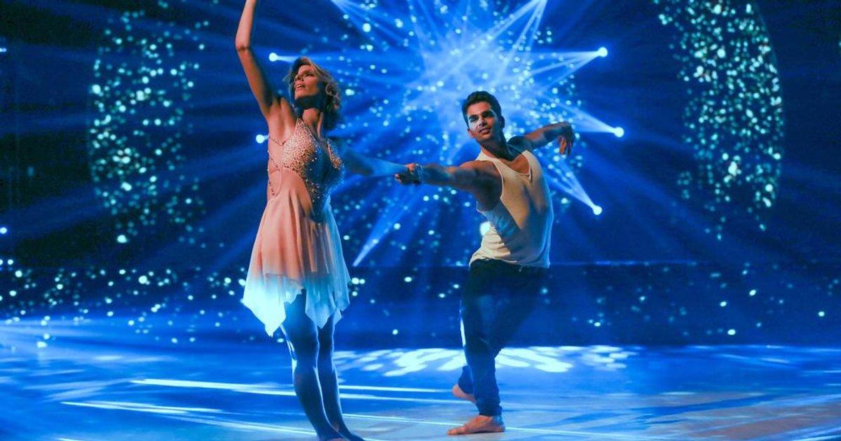 Danse avec les stars  : Une rumba pour Sylvie Tellier et Christophe Licata sur « T'en va pas » - (Elsa)  - TF1