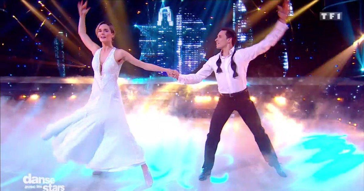 Danse avec les stars  : Une valse pour la 2è danse de Camille Lou et Grégoire sur  « Je vole» (M Sardou/Louane)  - TF1