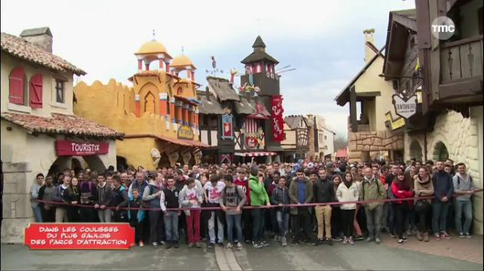 Parc ast�rix : dans les coulisses du plus gaulois des parcs d'attraction en streaming