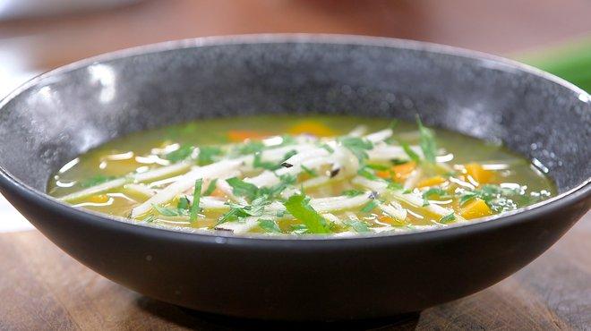 Recette de ma soupe d tox petits plats en equilibre - Recette cuisine tf1 petit plat en equilibre ...